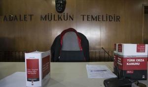 Emekli savcının 99 bin 750 lirasını dolandıran 2 kişiye dava