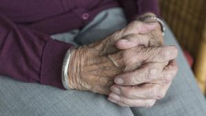 Emekliler hastalık ve yalnızlıktan korkuyor