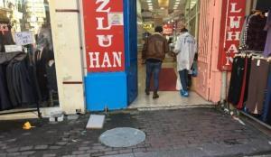 Eminönü'nde esnafın müşteri kavgası kanlı bitti
