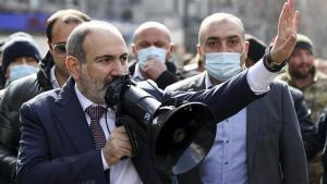 Ermenistan Karabağ'a tekrar asker yığıyor