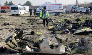 İran'ın füzeyle düşürülen 176 kişinin öldüğü yolcu uçağıyla ilgili nihai raporu acılı aileleri ikna etmedi