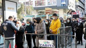 'Kırmızı' alarm veren Samsun'da önlemler de kuyruklar da arttı