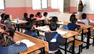 Kırşehir'de iki okulda yüz yüze eğitime koronavirüs arası