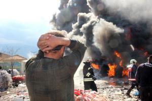 Manisa'da Depolama Alanı Alevlere Teslim Oldu