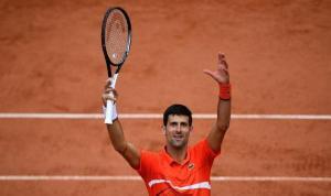 Novak Djokovic, tek erkekler sıralamasının zirvesinde en uzun süre kalma rekorunu kırdı