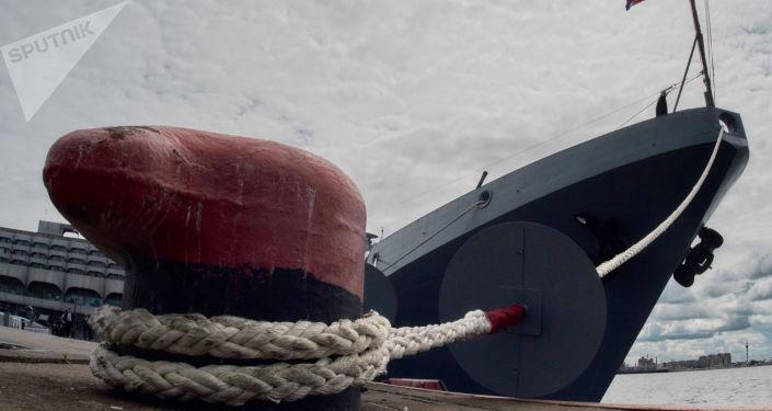 Rus savaş gemilerinden Karadeniz'de tatbikat