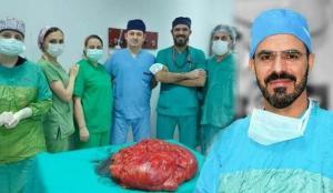 Şişlik şikayetiyle gitti, karnından 21 kiloluk tümör çıkarıldı!
