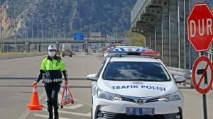 Türkiye'nin tek kadın radar polisi: Hız sınırını aşan yandı