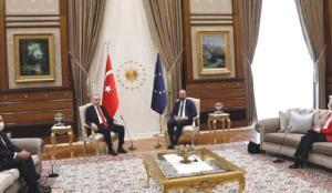 Fransızlardan şaşırtan çıkış: Koltuk krizinde Türkiye mağdur edildi!