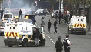 Kuzey İrlanda'daki şiddet olayları yeniden başladı