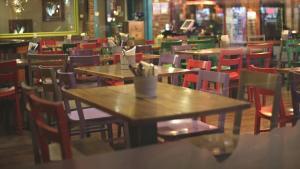 Son Dakika! Kademeli normalleşmede yeme içme yerleri hafta içi 07.00-20.00 arasında gel-al ve paket servis yapacak