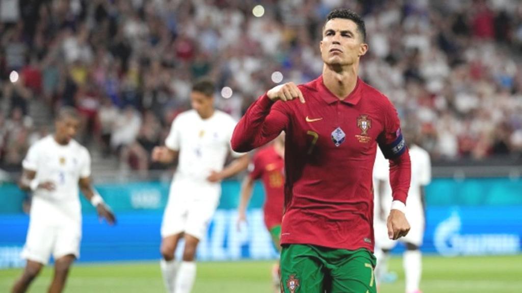 36 yaşındaki Ronaldo, Fransa'ya attığı gollerle tüm rekorları altüst etti