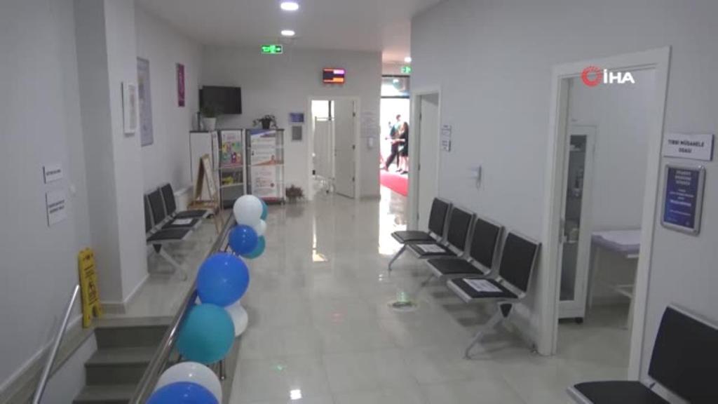 Akademisyenlerin hizmet verdiği ilk aile sağlığı merkezi açıldı