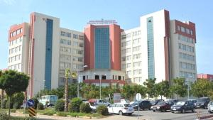 Aydın'da 30'a yakın profesörün istifa ettiği hastanenin başhekimi faturayı kente kesti: Oğlum bile gitmek istiyor