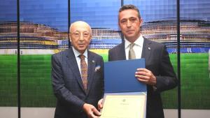 Fenerbahçe'de Ali Koç, mazbatayı aldı