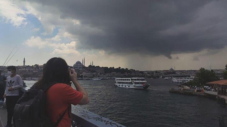 Son dakika…  İstanbul'un üstünü kara bulutlar sardı! Beklenen yağış başladı