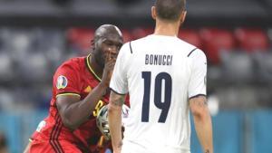 Attığı gol sonrası Donnarumma'ya hareket yapan Lukaku'ya tepki yağıyor