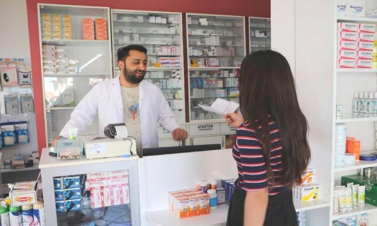 Nazım Hikmet'in Şiirinden Etkilenip İnsanlara Ücretsiz HPV Aşısı Yapan Eczacı