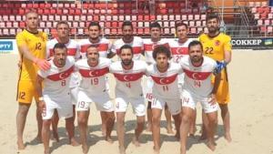 Plaj futbolunda Umman'a 7-0 kaybeden Milli Takım alay konusu oldu