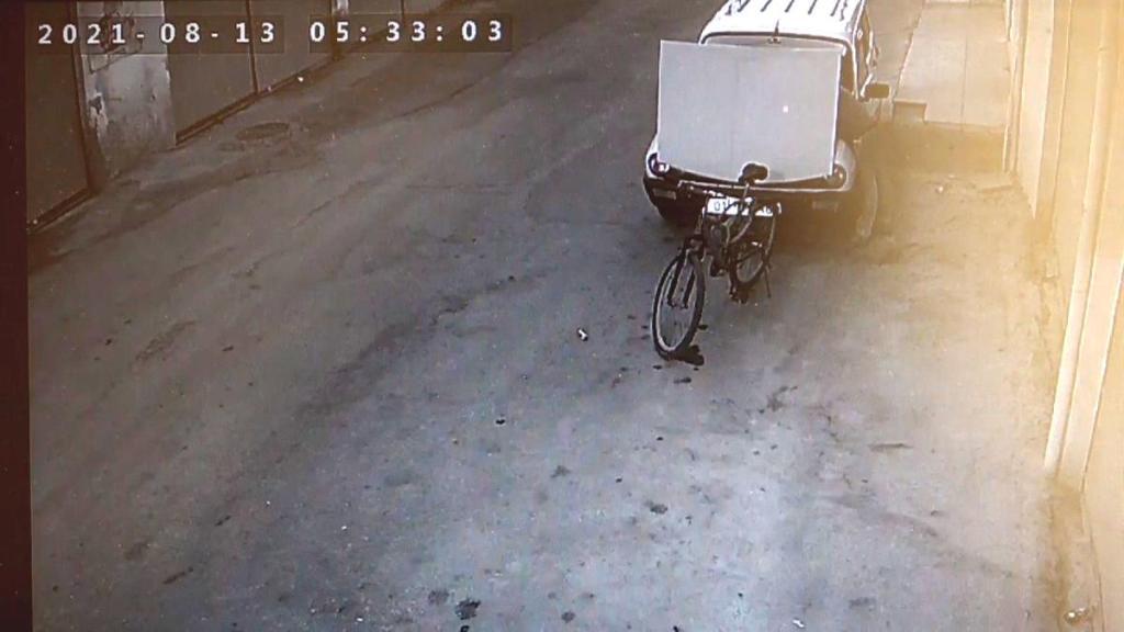 Adana'da Çalmak İstediği Araba Çalışmayınca Önce Tamir Edip Sonra Çalan Hırsız
