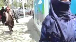 Afganistan'da kadınlarla röportaj yapan Habertürk televizyonuna müdahale, görüntüyü sildirdiler