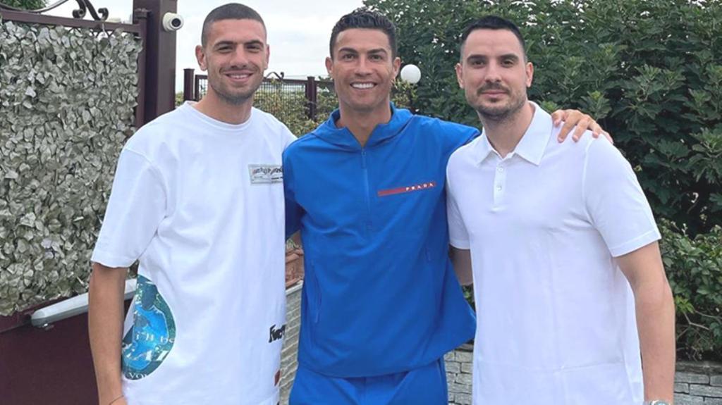 Cristiano Ronaldo, Atalanta'ya transfer olan Merih Demiral'ın evine giderek milli futbolcumuza veda etti
