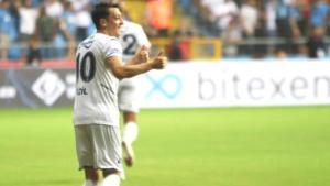 Fenerbahçe'ye galibiyeti getiren Mesut Özil, taraftarı mest etti! Paylaşımlar çılgınlık boyutuna ulaştı