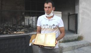 Küle dönen evde bir tek Kur-an-ı Kerimler yanmadı