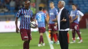 Trabzonsporlu Nwakaeme'nin, Karsdorp'u tam 12 kez çalımlaması Mourinho'yu çıldırttı