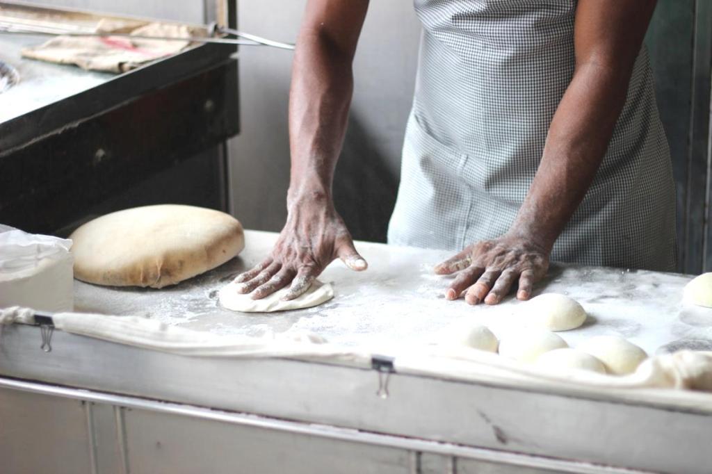 Çiğ börek nasıl yapılır? 13 Eylül Masterchef yemekleri! Çiğ Börek tarifi! Çiğ börek için gerekli malzemeler nelerdir?