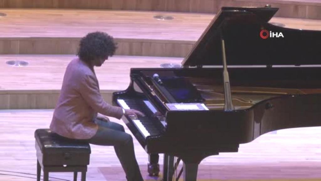 Fransız piyanist Simon Ghraichy'den CSO Ada Ankara'da konser
