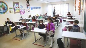 MEB Kılavuzu Paylaştı: Test Sonucu Pozitif Çıkan Öğrenci Okula Devam Edemeyecek