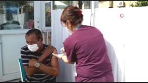 Vatandaşlar önce aşı oldu sonra alışveriş yaptı