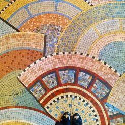 Mosaico na Rua de Rivoli - Paris, França.