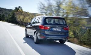 2016-BMW-220d-Gran-Tourer-xDrive-Euro-spec-110-876x535