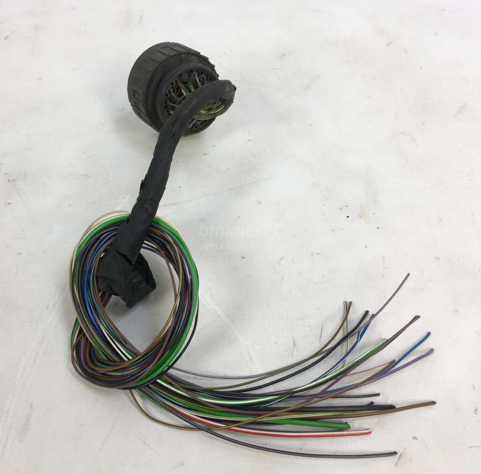 hight resolution of picture of bmw x20 engine bay wiring harness round connector m60 v8 e34 e32 for sale