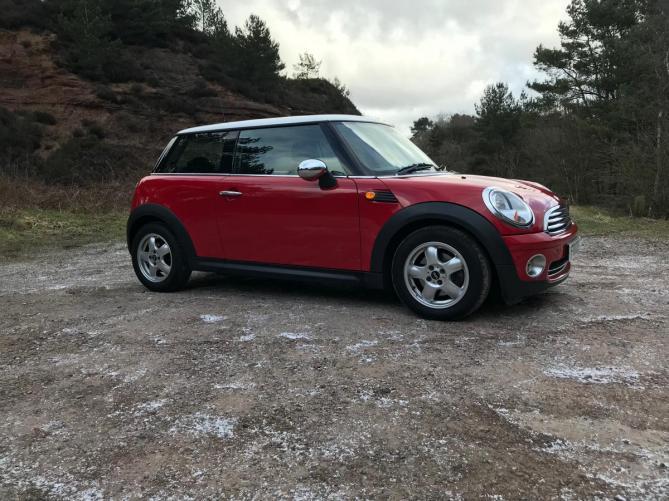 Mini Cooper - Auto