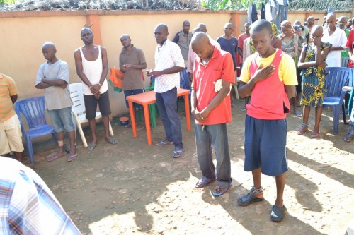 Bina Foundation leads psychiatric patients in a prayer session