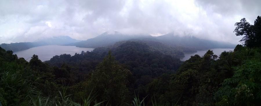 Twin lakes of Buyan and Tambkingan