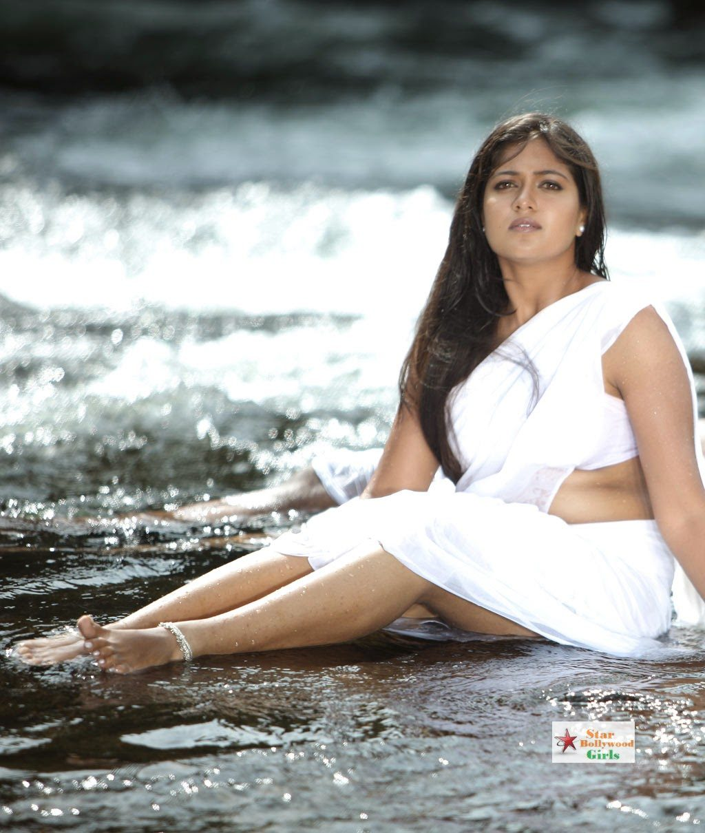 Actress-Meghana-Raj-Spicy-Navel-Show-Photos-8