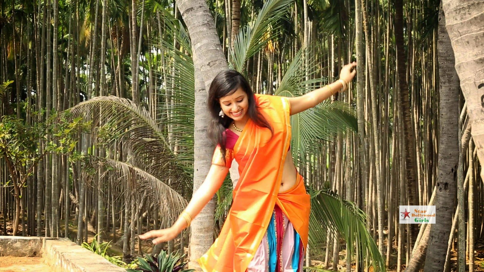 Archana-Singh-Latest-Stills-From-Siddhar-Kayilayam-Movie-3