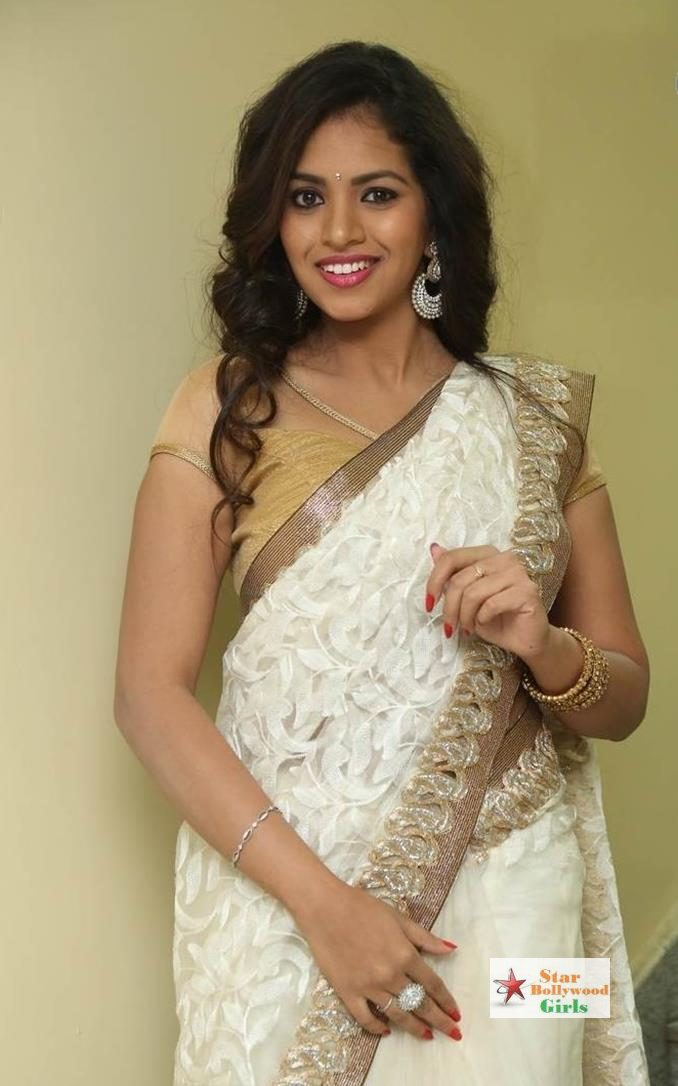 actress-gowthami-chowdary-saree-photos-11