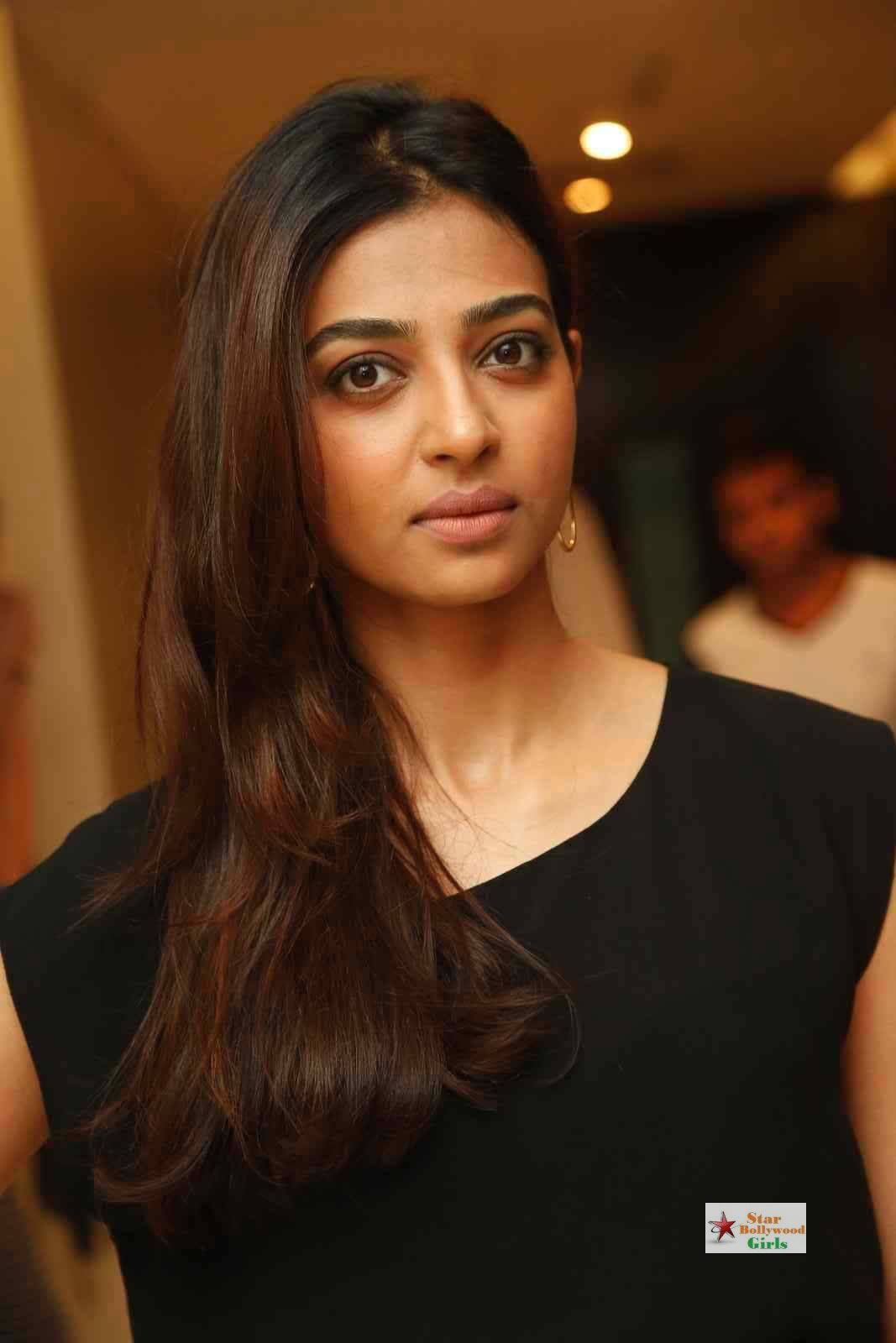 Radhika-Apte-Stills-At-Manjhi-Movie-Press-Meet-28