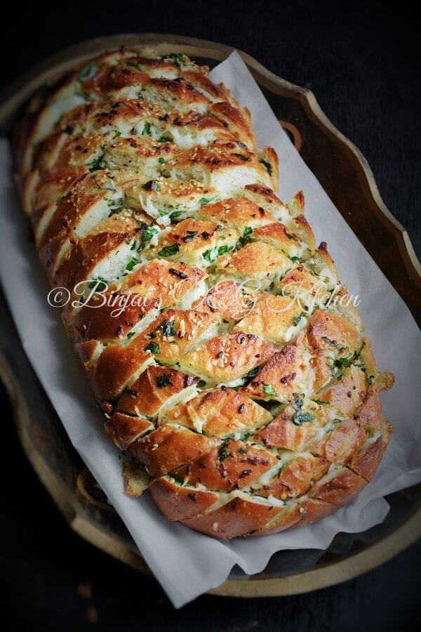 kitchen.com two seat kitchen table cheesy garlic pull apart bread » binjal's veg