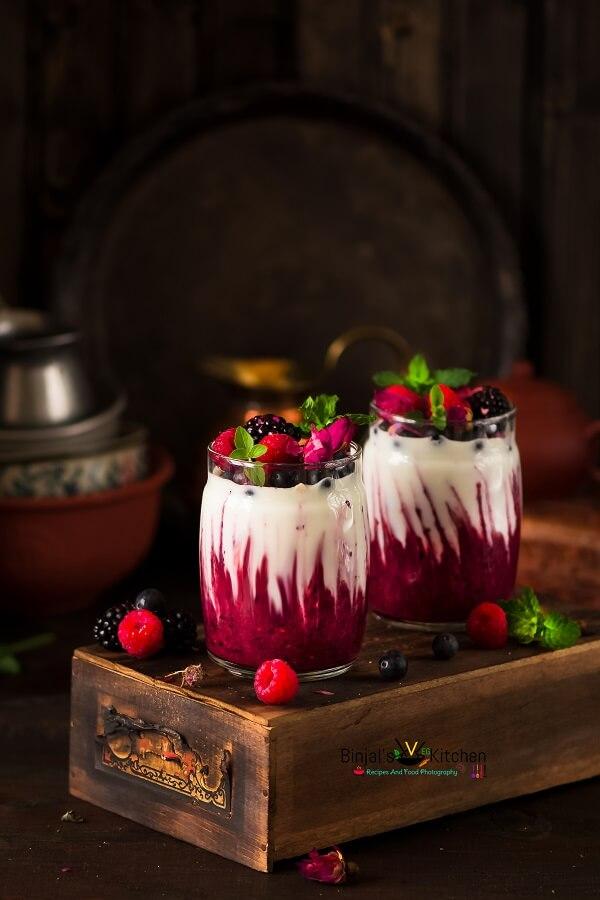 Berry Sauce with Greek Yogurt