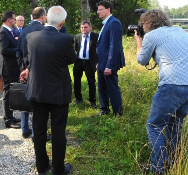 PFOA mit SPD Politikern Florian Pronold und Florian von Brunn – Der Ortstermin