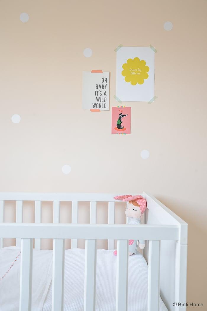 Babykamer bedje inspiratie zachte pasteltinten Binti Home Blog ©BintiHome