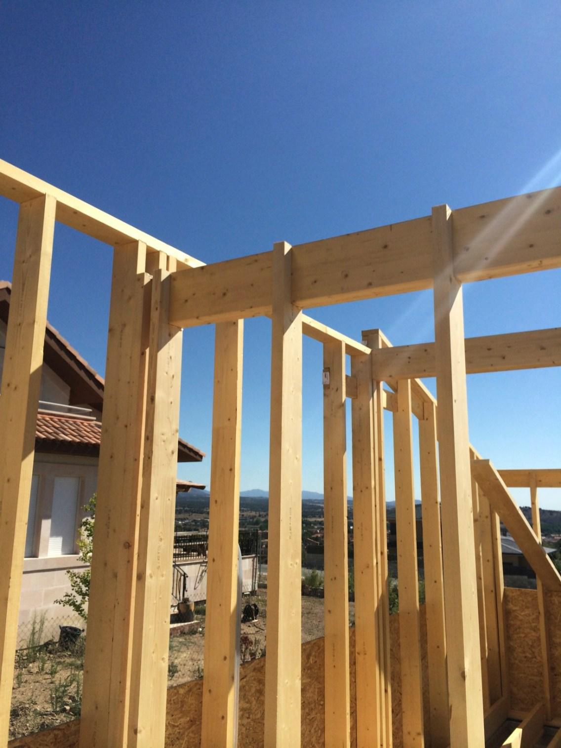 Casa bioclim tica pasiva de entramado ligero de madera - Montaje casa de madera ...
