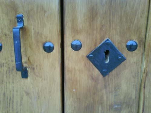 Detalle cerradura San Roque