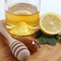 Tratamente naturale pentru parul uscat facute in casa